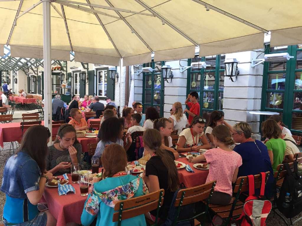 Ausflug von Ferienkinder aus der Ostukraine nach München