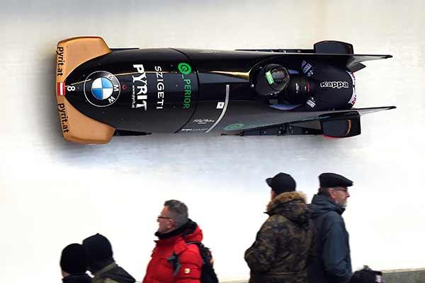 Das Bobteam Beierl in Action beim Worldcup in Winterberg